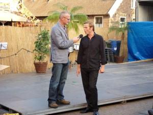 Midzomeravondfestival 2014 - Presentator Cor Onderwater interviewt Barry Jurjus
